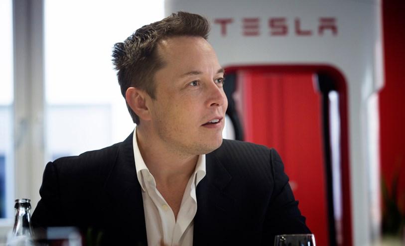 Bokrecension: Elon Musk, Tesla, SpaceX och jakten på en fantastisk framtid