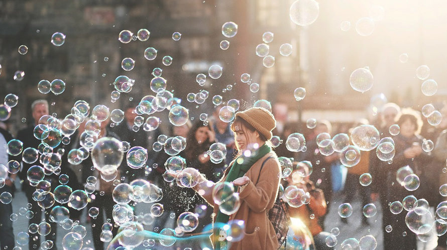 Filterbubblor en konkurrensfördel, men hot mot vår demokrati och folkbildning